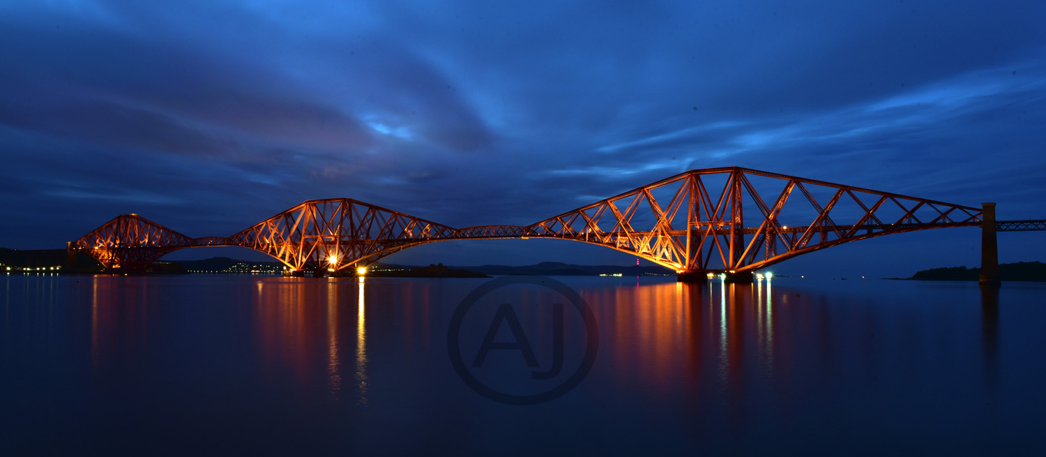 <i>Firth of Forth Bridge, Scotland (UK)<i>