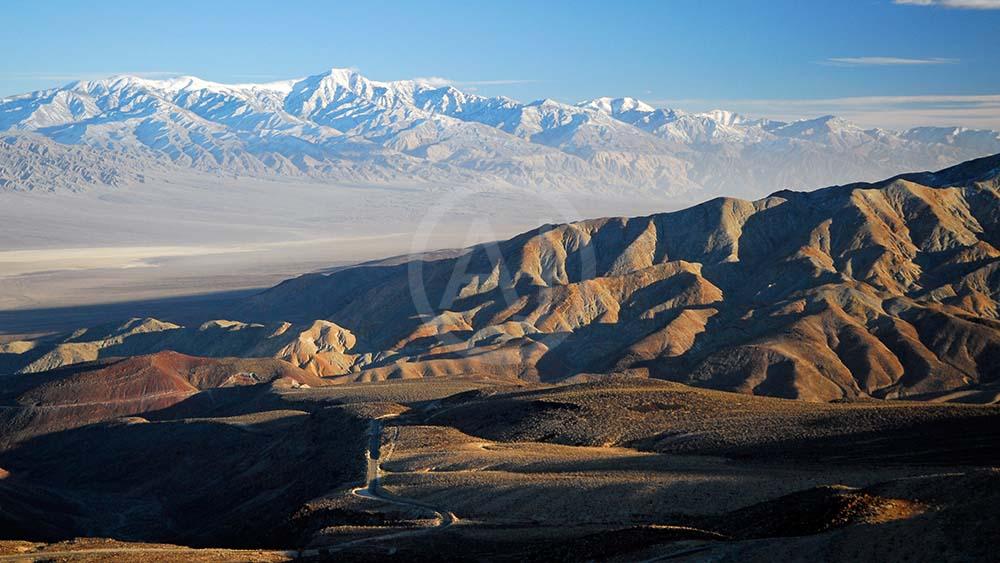 <i>Death Valley<i>