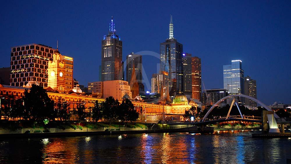 <i>Melbourne, Victoria (Australia)<i>