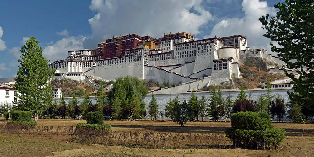 <i>Potala Palace, Tibet (China)<i>